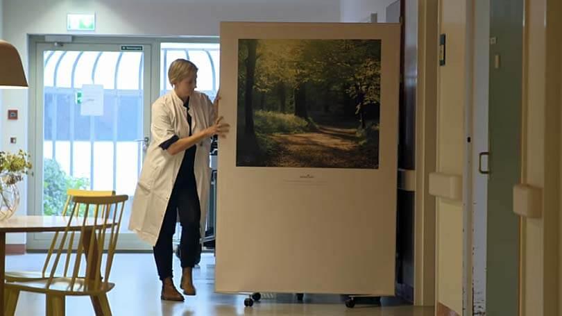 Kunst, æstetik og hjemliggørelse på en neurologisk afdeling i Roskilde